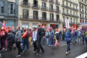 Manifestació avançant per carrer Pelai